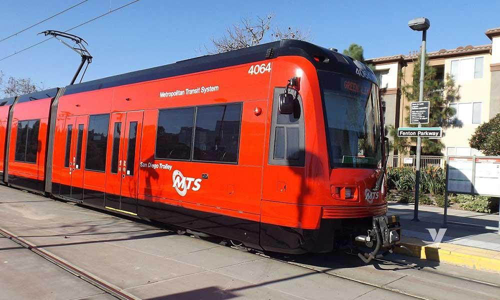 Hombre es atropellado por trolley en Chula Vista