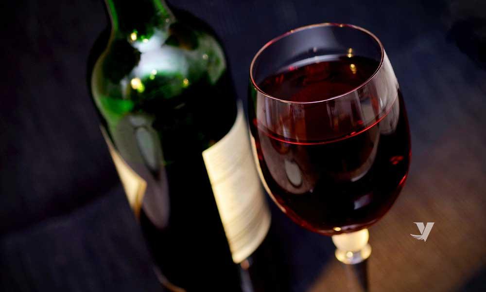 Expertos aseguran que beber una copa de vino ayuda a la perdida de peso