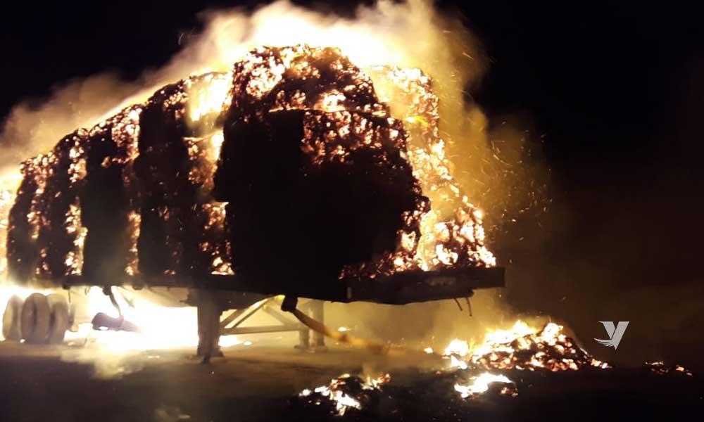 Sofocan incendio de camión en La Rumurosa