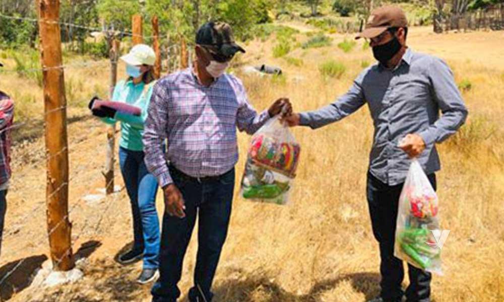 Continúa entrega de despensas a familias vulnerables en Tecate