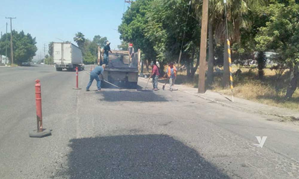 Intensifican programa de bacheo en bulevar Defensores de Baja California