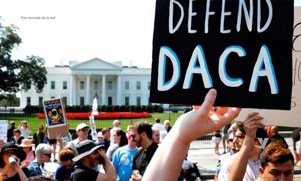 """Continúa Corte Suprema con el programa DACA y rechaza que """"Dreamers"""" sean deportados"""
