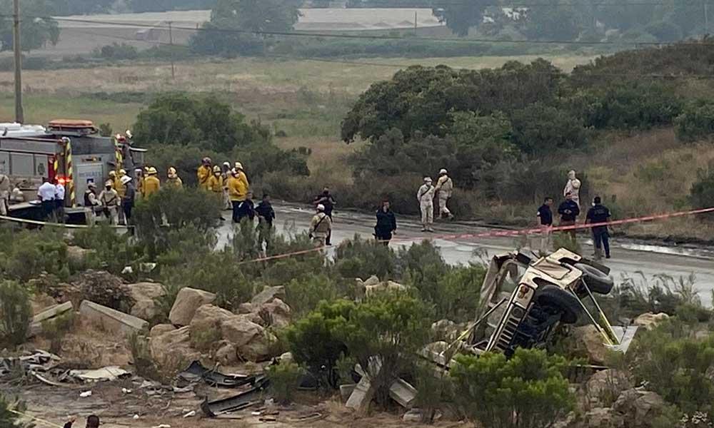 Volcadura de vehículo militar deja soldados muertos y lesionados