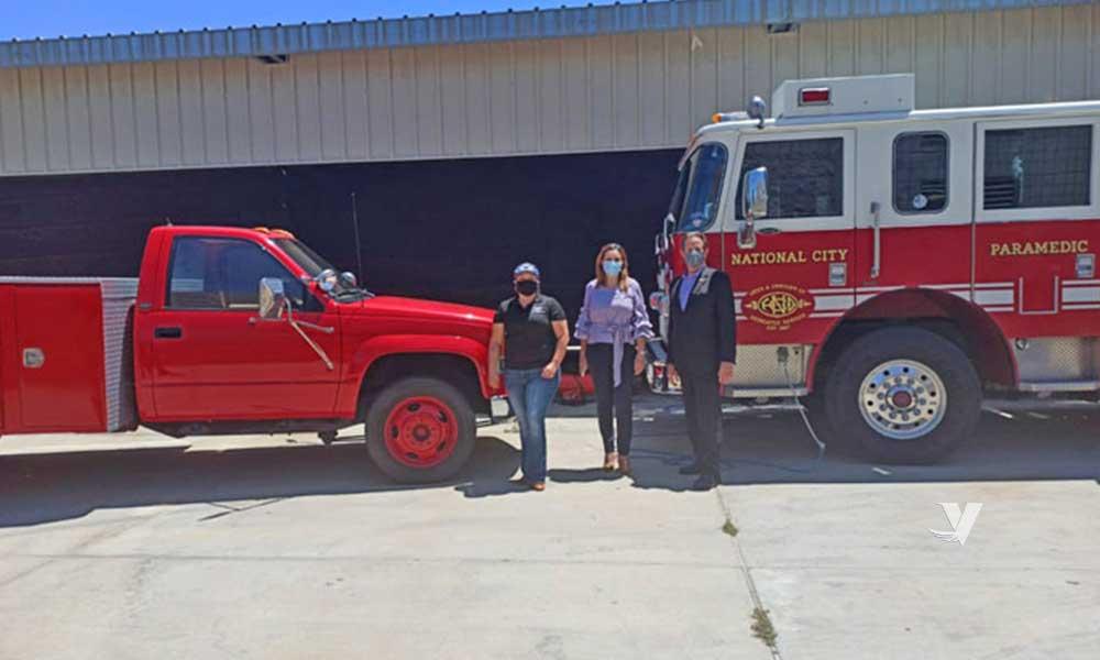 Recibe Alcaldesa Zulema Adams donación de bombera y vehículo utilitario por parte de National City