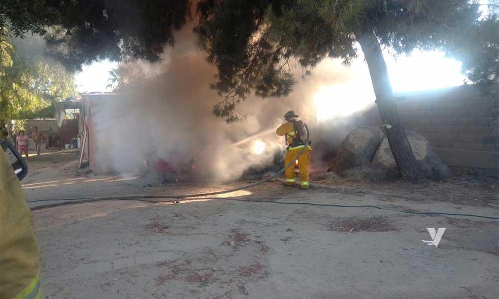 Incendian vehículo en colonia Militar