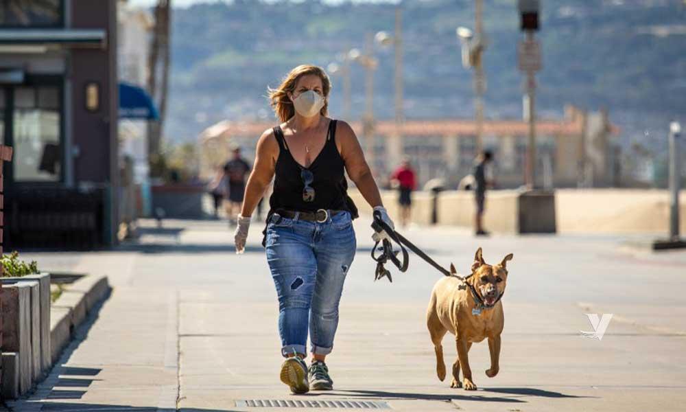 California multará hasta 500 dólares por no usar cubrebocas