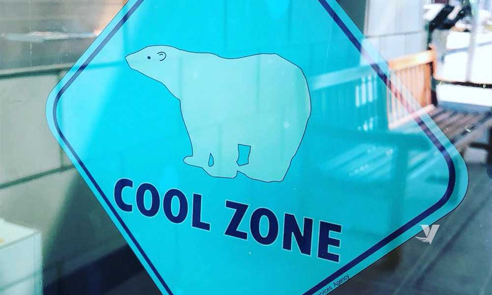 """Bibliotecas en San Diego abren como """"Zonas Frías"""""""