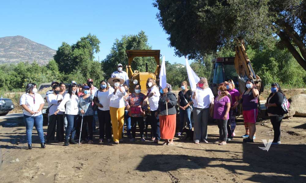 Gobierno del Estado da banderazo de arranque a obra de pavimentación en colonia Rincón Tecate