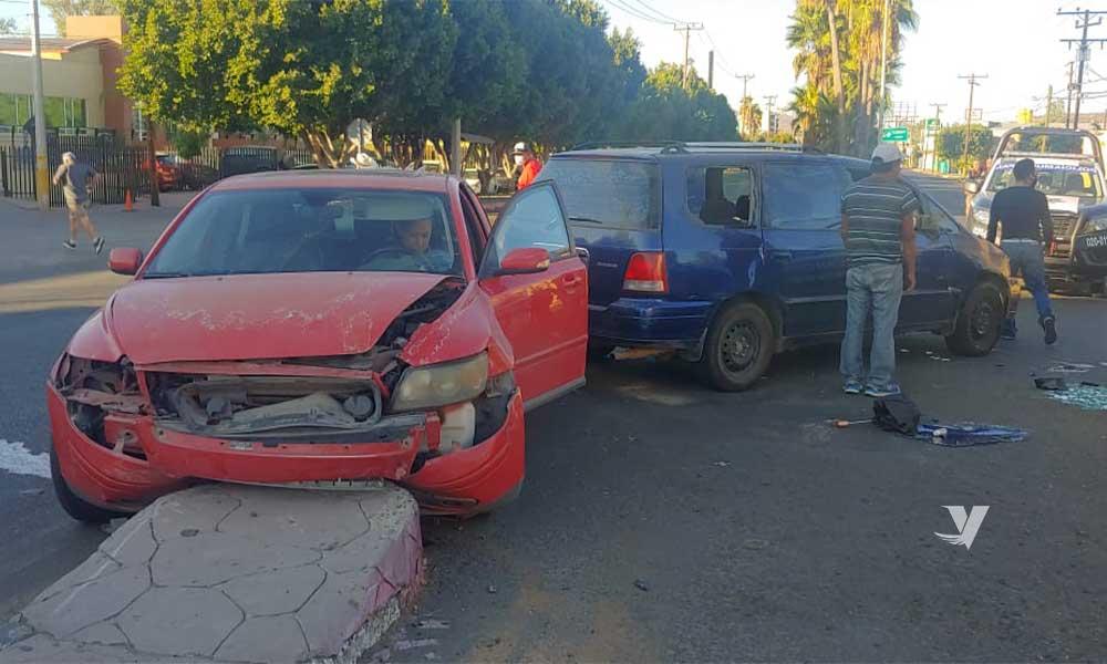 Se registra esta mañana accidente automovilístico