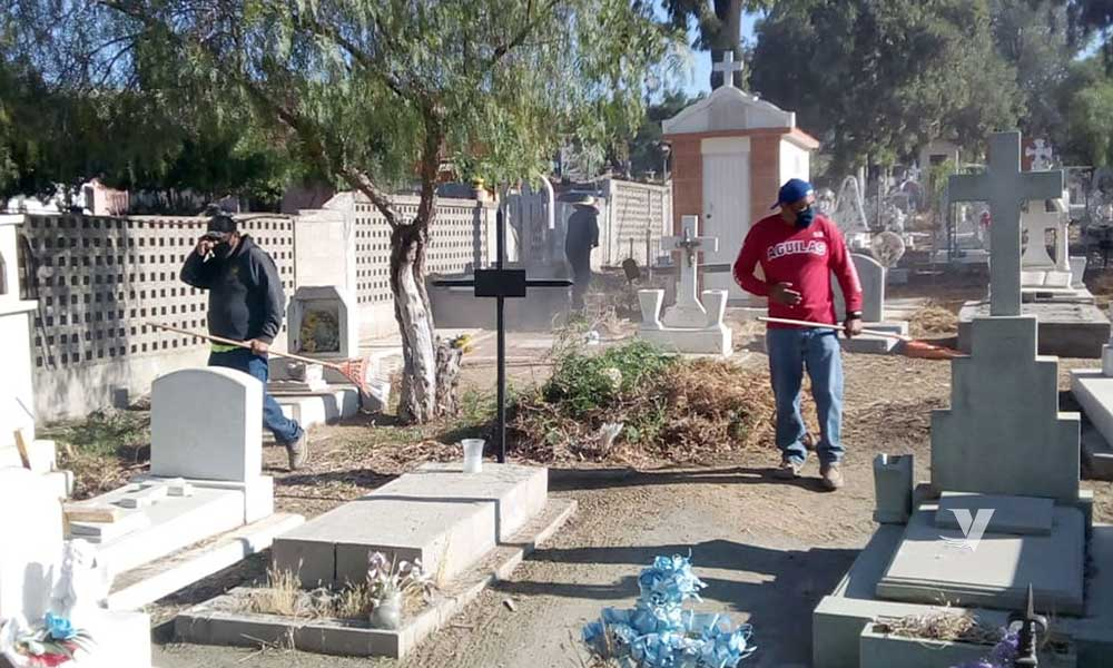 Se realizan acciones de limpieza en panteones del municipio