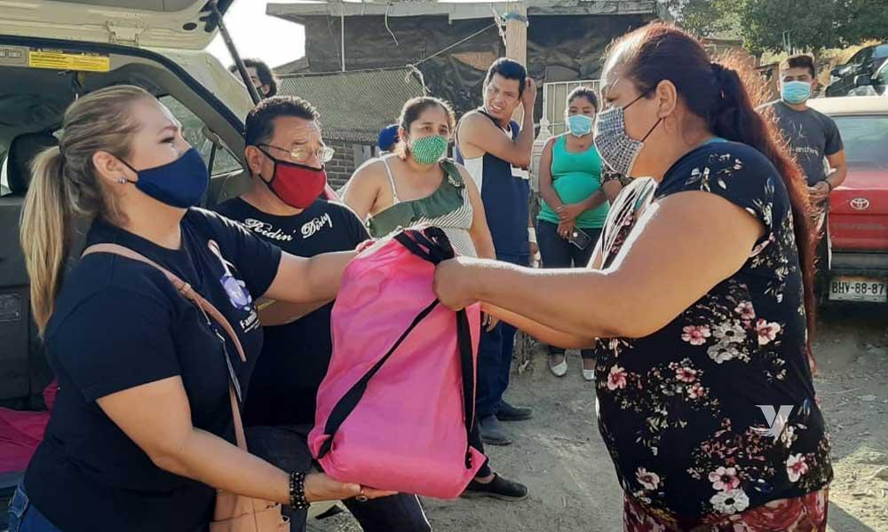 Entrega DIF Municipal despensas a familias vulnerables en la colonia Nopalera