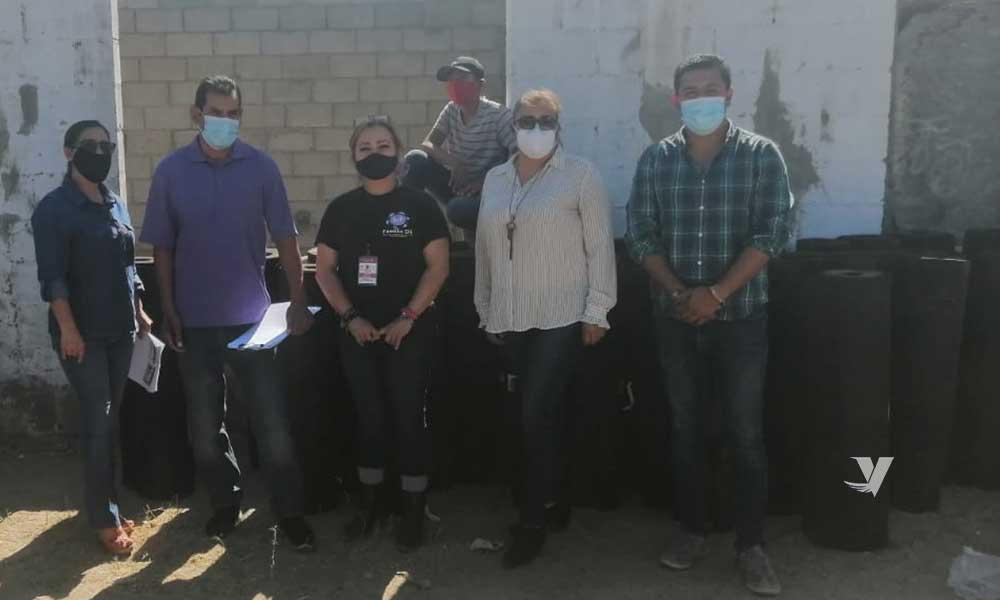 Entrega DIF apoyos en cartón de felpa a 25 familias de Mi Ranchito