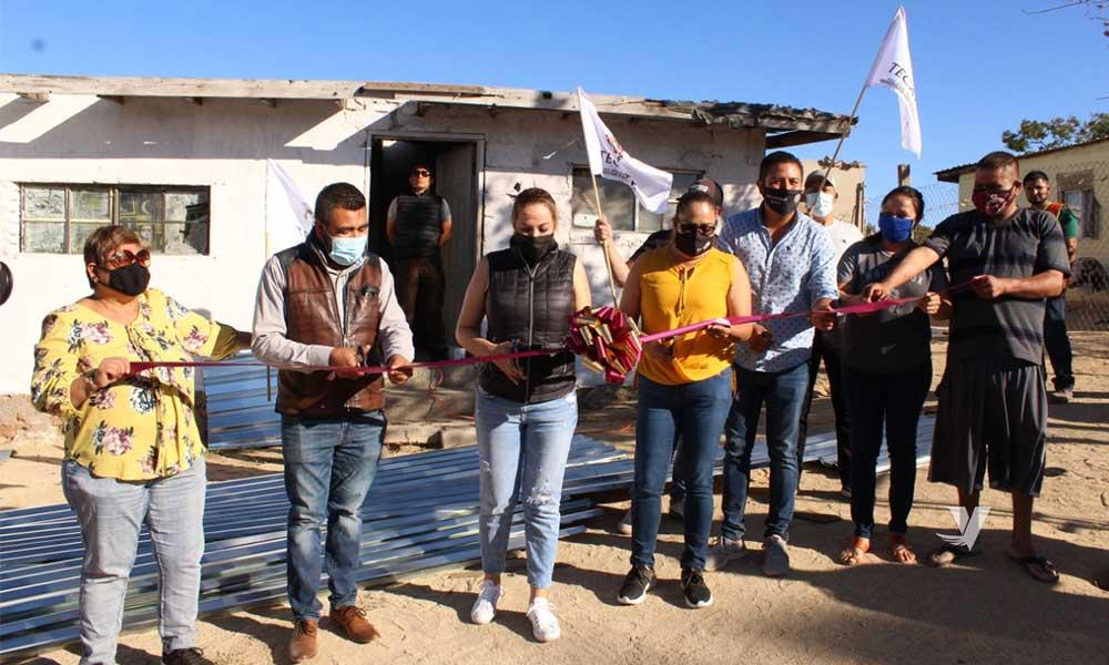 Da Arranque Zulema Adams Pereyra A La Instalación De Láminas Galvanizadas En Ejido Baja California Para Techo De Vivienda
