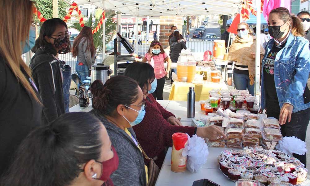 Se Lleva A Cabo 2do. Farmers Market Tecate En Parque Miguel Hidalgo