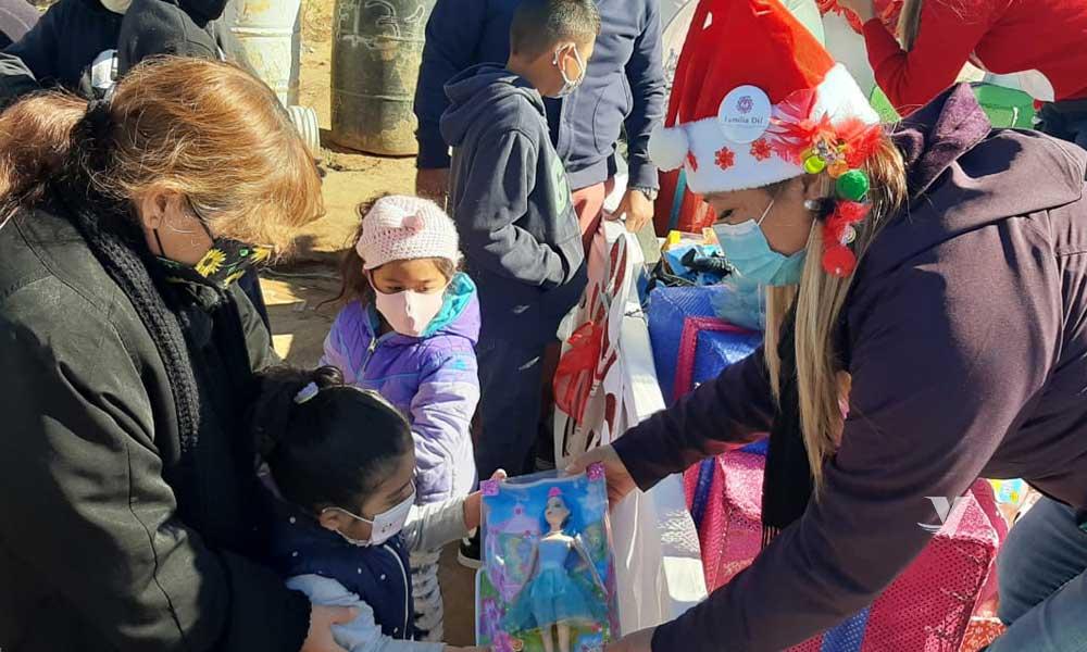 """""""Santa Bus 2020"""" de DIF Municipal, dibuja sonrisas en niños y niñas de Santa Anita, Escorial y Las Torres."""
