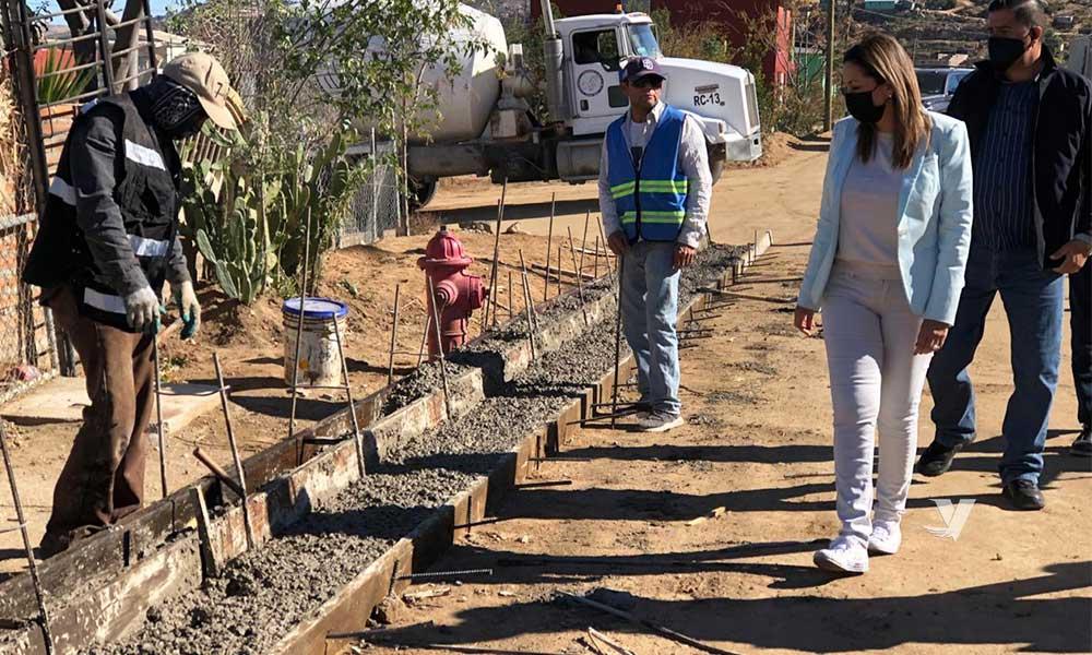 Supervisa Alcaldesa, Olga Zulema Adams Pereyra, Avances De Obra De Pavimentación En Diversas Calles Del Municipio