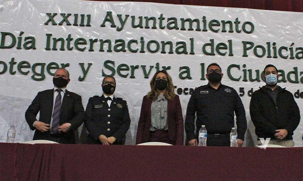 Preside alcaldesa, Olga Zulema Adams Pereyra, entrega de reconocimientos a elementos destacados de seguridad ciudadana y tránsito municipal