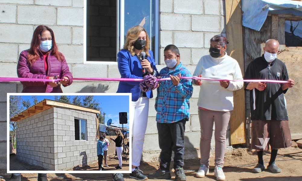 Entrega, alcaldesa Olga Zulema Adams Pereyra, ampliación de cuarto dormitorio en Nueva Colonia Hindú