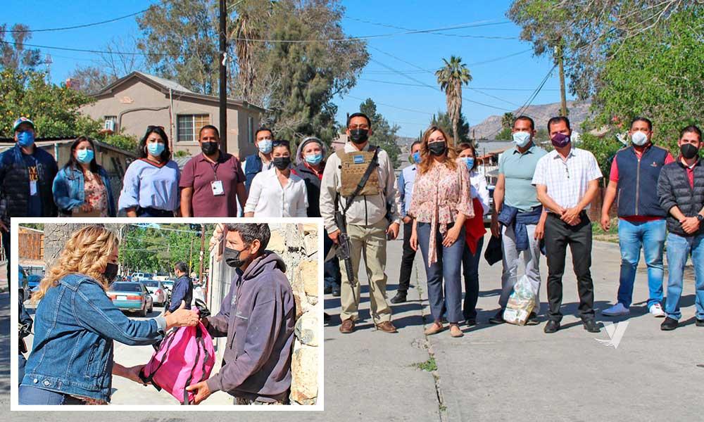 Encabeza alcaldesa Zulema Adams Pereyra entrega de apoyos a familias en colonia Juárez