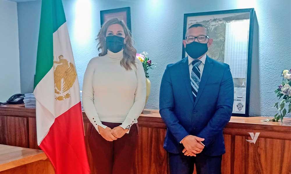Toma protesta alcaldesa, Olga Zulema Adams Pereyra a Luis Villavicencio Zárate como nuevo Secretario del XXIII Ayuntamiento de Tecate